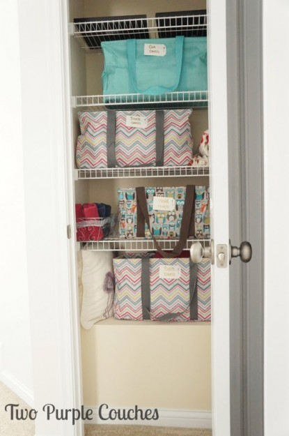 Easy labels to organize your linen closet - Two Purple Couches
