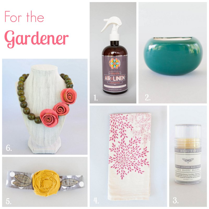 Gardening Gifts for Mom from Umba by Two Purple Couches #mothersday #handmade #handmadegifts #umba #umbabox #gardening #gardeners #gardens #flowers