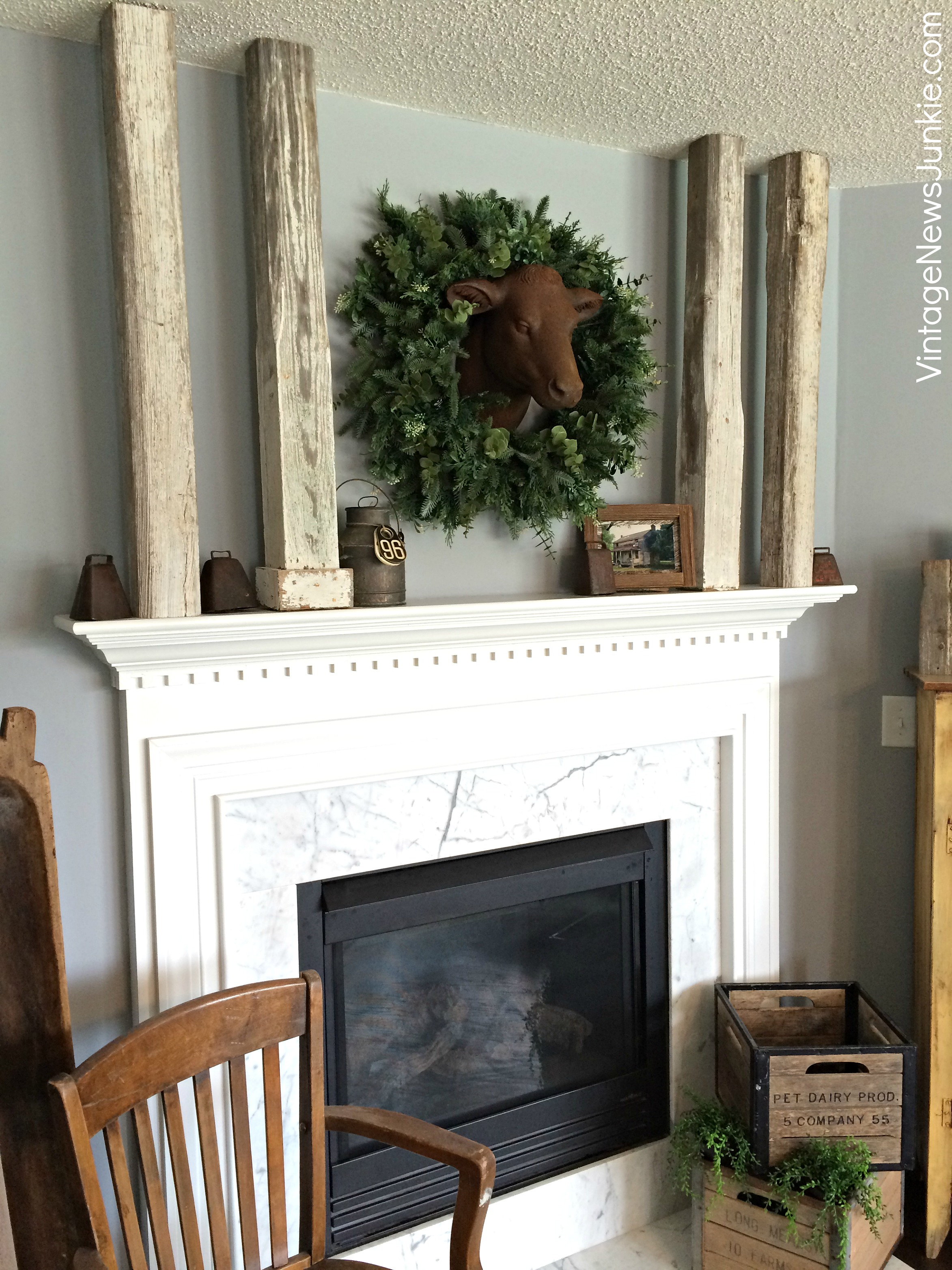 Farmhouse Decor For Living Rooms: 15 Fall Mantel Decorating Ideas