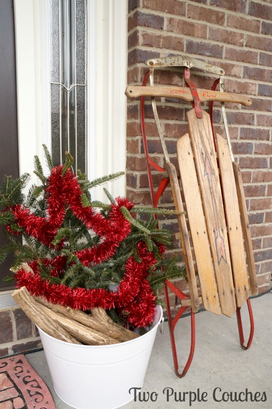 Vintage-inspired Christmas porch via www.twopurplecouches.com