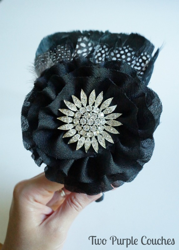 DIY your own party headband for a New Year's Eve or Roaring Twenties party. via www.twopurplecouches.com