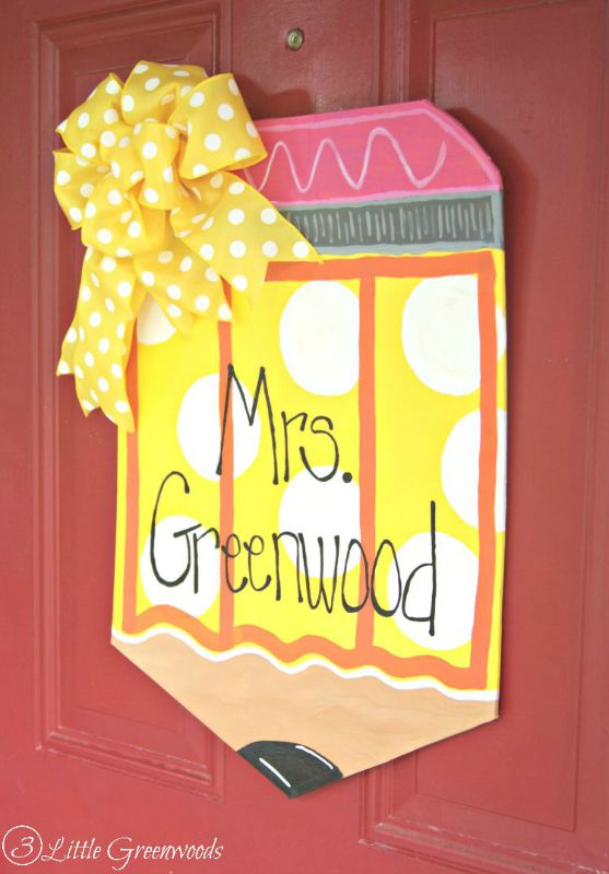 DIY Personalized Teachers Pencil Door Hanger