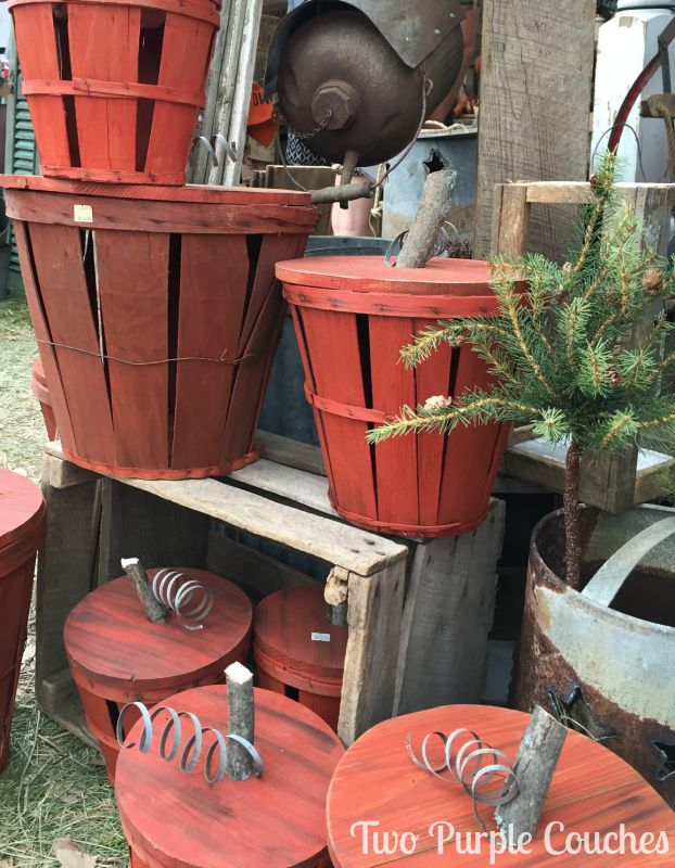 Adorable pumpkin baskets for Fall decorating! Found at the 2015 Country Living Fair, Columbus, Ohio. via www.twopurplecouches.com