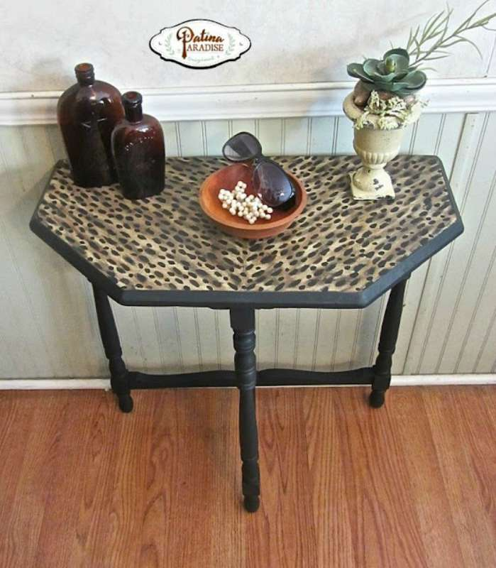 leopard table