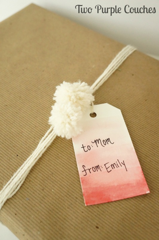 Love this very simple handmade gift tag - just paint an ombre wash with red or green watercolor paints!