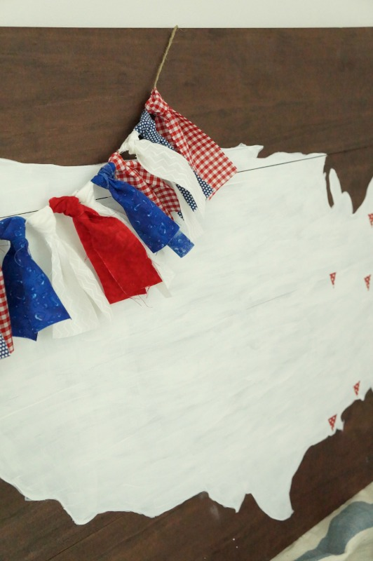 How To Make A Patriotic Fabric Garland Two Purple Couches