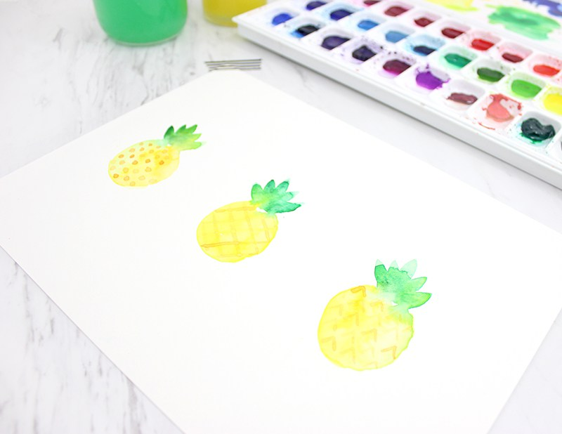How to paint a watercolor pineapple from Lines Across
