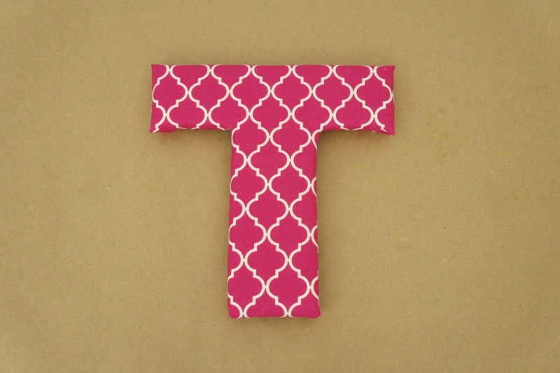 How to make fabric covered letters. This cute craft idea makes great DIY wall decor for a craft room or bedroom.