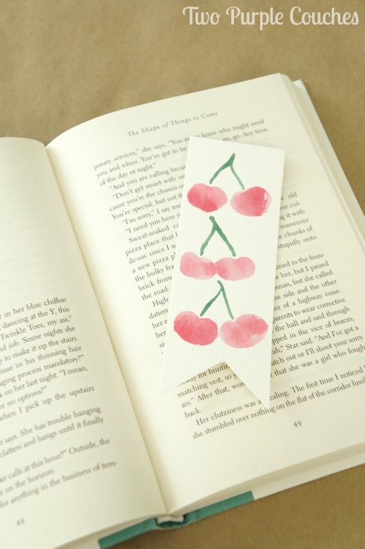 Make your own watercolor bookmarks featuring sweet summer fruits designs like strawberries, limes & cherries. These are so easy to paint yourself!