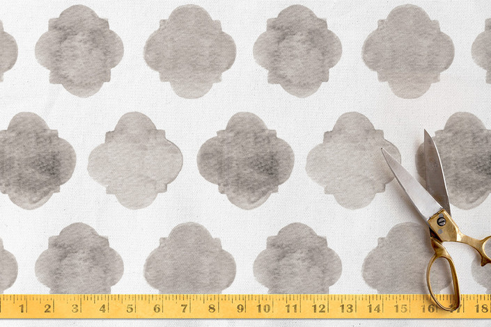 Faded Quatrefoil Fabric from Minted / Need help selecting coordinating home decor fabrics for your room? Follow these easy tips on how to mix different prints, patterns and fabrics.