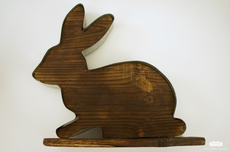DIY Rustic Easter Bunny Sign. Cute idea for rustic spring home decor - add adhesive vinyl to a store-bought sign to make your own pretty Easter decor!