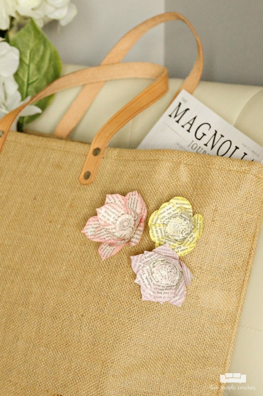 DIY Book Page Flower Pins / How to make beautiful book page flower pins or flair to add to a tote bag or wear as a lapel pin.
