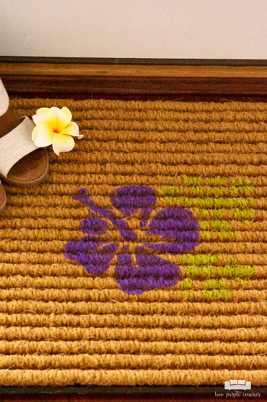 DIY Stenciled Doormat / Create your own decorative doormat with your Silhouette or Cricut and outdoor paint! Such an easy DIY welcome mat project idea!
