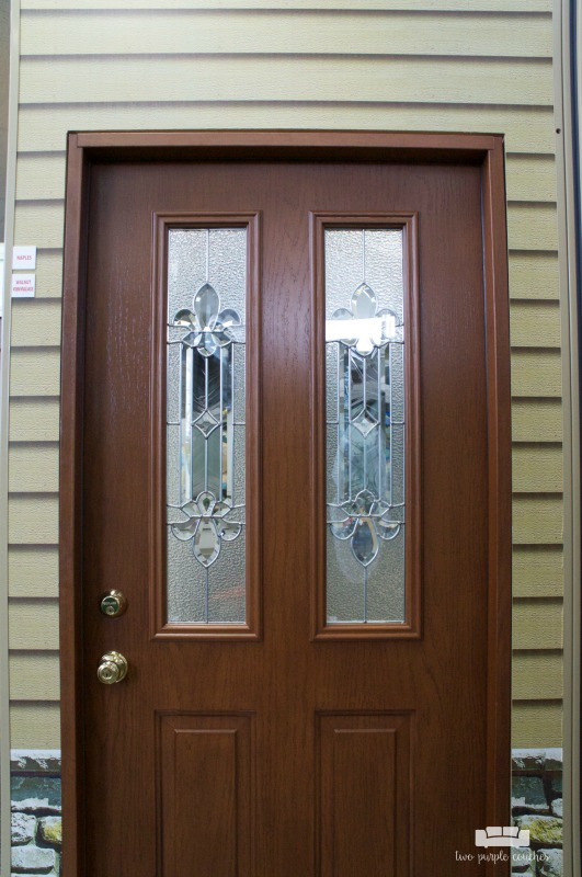 Selecting a new front door? Keep these tips and ideas in mind when choosing a new entry door for your home. Style, colors, glass design, etc.