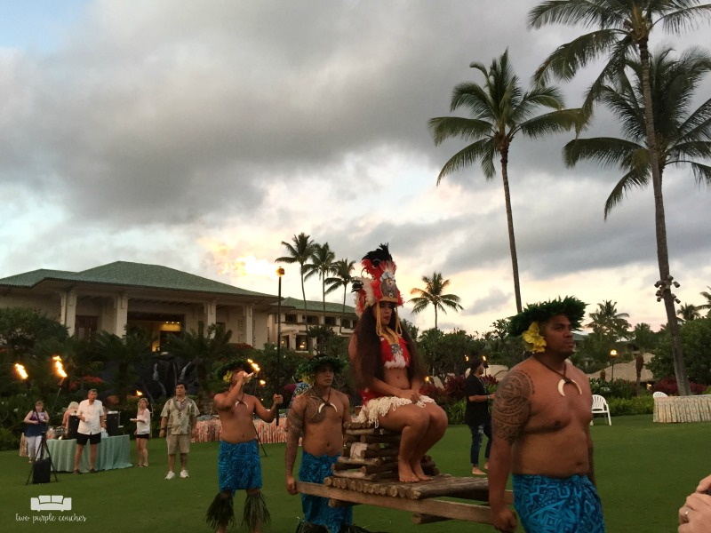 Grand Hyatt Kauai Luau Show / Our favorite Kauai restaurants - great places to grab a delicious bite, sample fresh local-caught fish and enjoy a cocktail or pina colada in paradise!