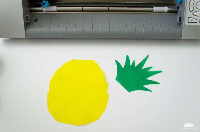 how to make a pineapple garden flag - step 3