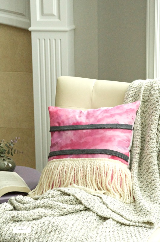 DIY Boho Pillow - make your own bohemian style pillow with watercolors and yarn fringe.