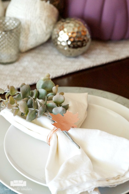 Fall table napkins with easy DIY napkin rings. Find out how to make your own!