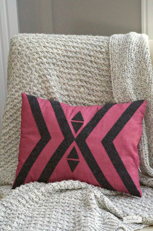Make your own boho tribal style geometric pillow. Fun DIY home decor project!