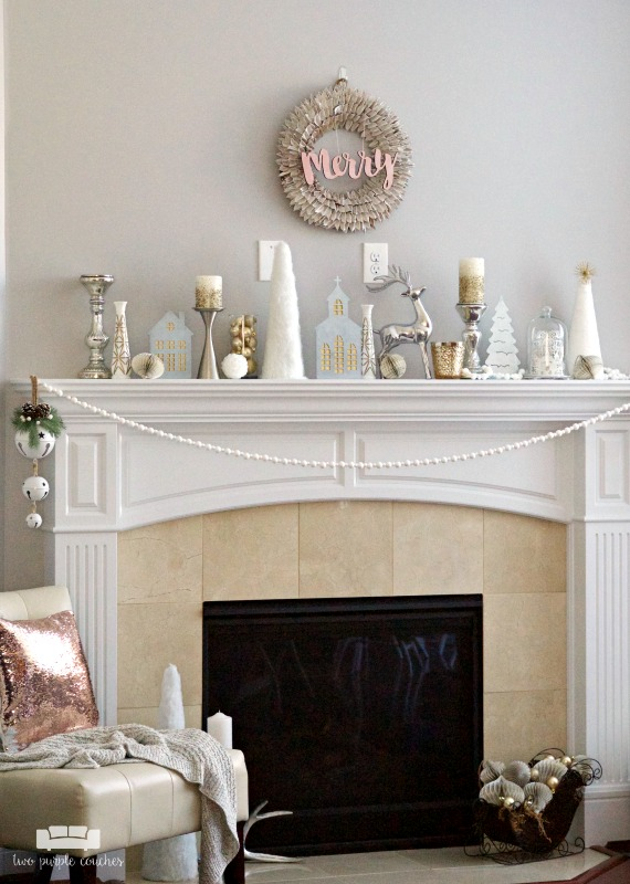 Love this gorgeous Christmas mantel decor full of whites, silvers and golds!