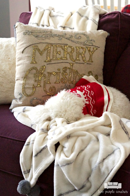 I want to curl up here too! Cozy holiday decorating in the family room