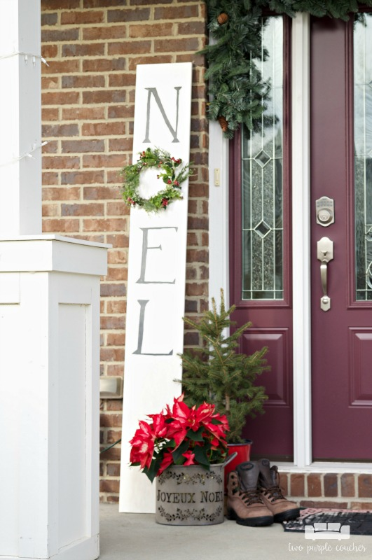 "DIY ""Noel"" sign and simple holiday porch decorations"