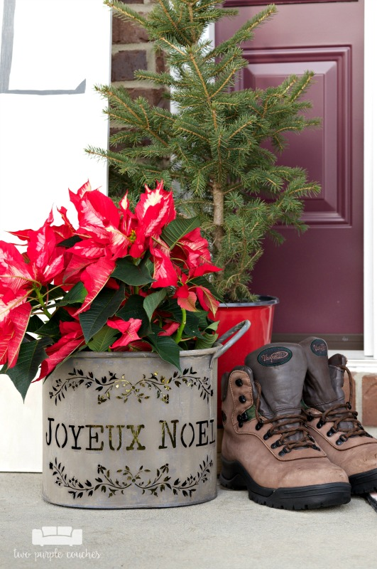 Simple vintage rustic holiday porch decorations