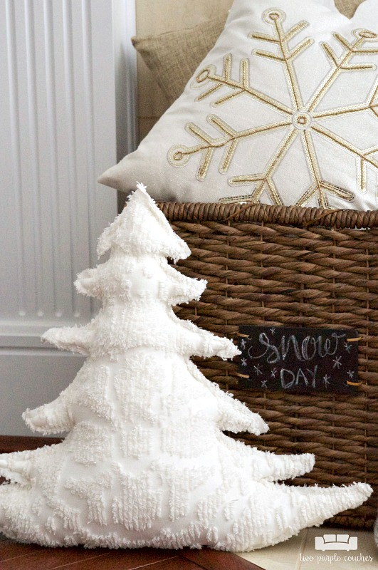 Love these pillows for winter decorating!