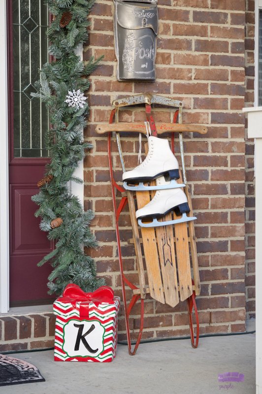 Simple, vintage-inspired Christmas Front Porch