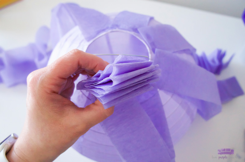 folding tissue streamers