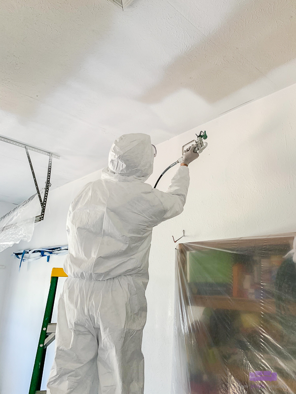 paint a textured ceiling